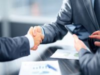 Business people shaking hands in office © FotolEdhar - Fotolia.com
