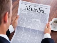 Businessman Reading Newspaper © apops - Fotolia.com